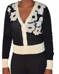 Black and white  V neck women's long sleeved sweater Black and White s