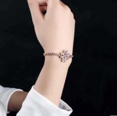 Flower modeling Diamond Platinum plating Bracelet Golden one size