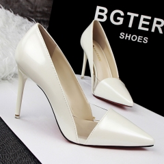 Nightclubs with high-heeled shallow mouth pointed clear transparent color hollow hollow shoes white 39