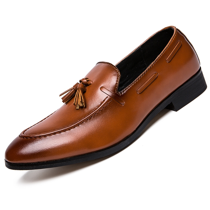 Fashion Tassel Men Business Shoes Pointed Leather Dress Formal