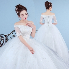 Middle sleeve wedding dress a lace wedding dress as  picture m