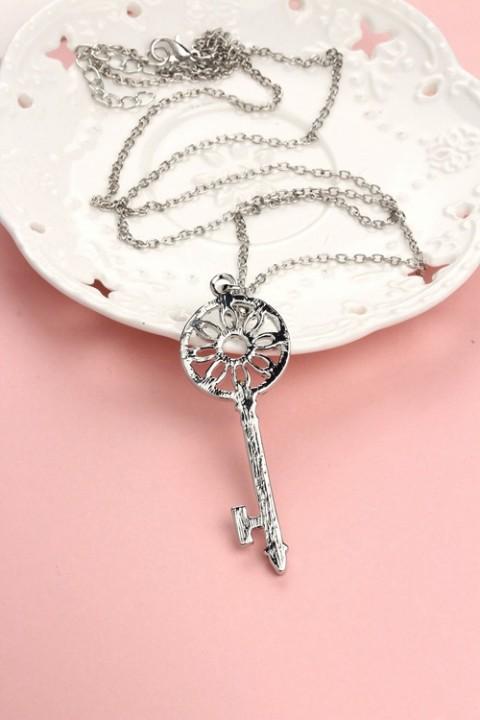 MR.S fashion Diamond wreath key necklace female long chain silver one size