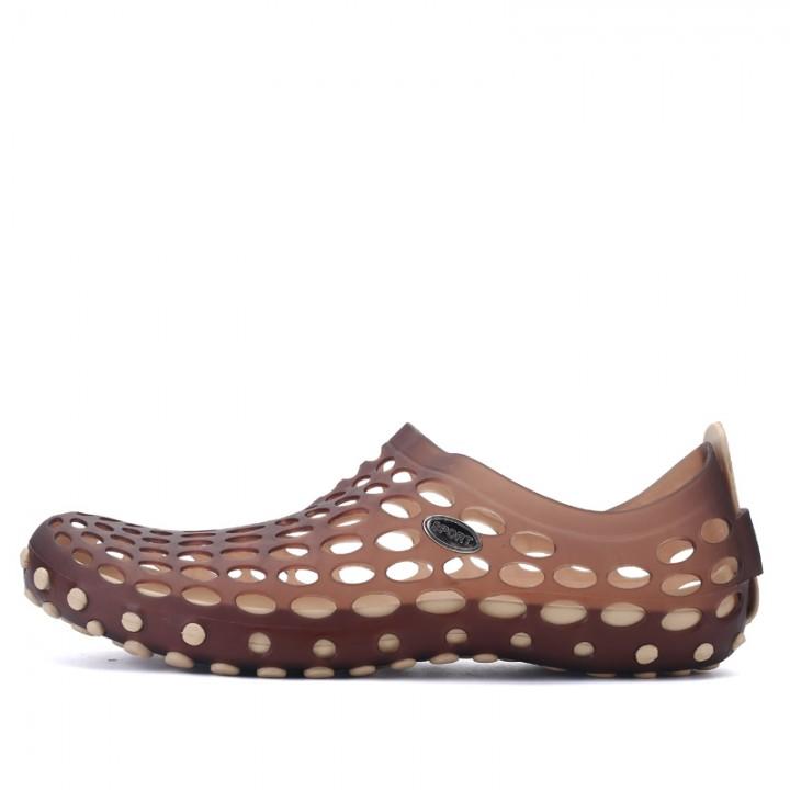 Men Sandals Clogs Hole Slippers Sandals Mules Clogs Garden Shoes for Men Breathable Beach Shoes brown 43