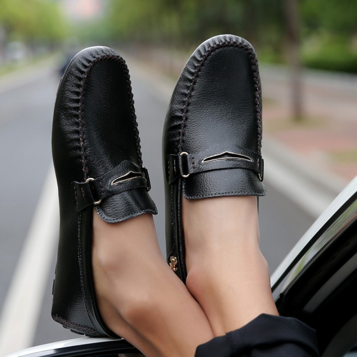 Fashion Summer Style Soft Moccasins Men Loafers High Quality Genuine Leather Driving Shoes black 43