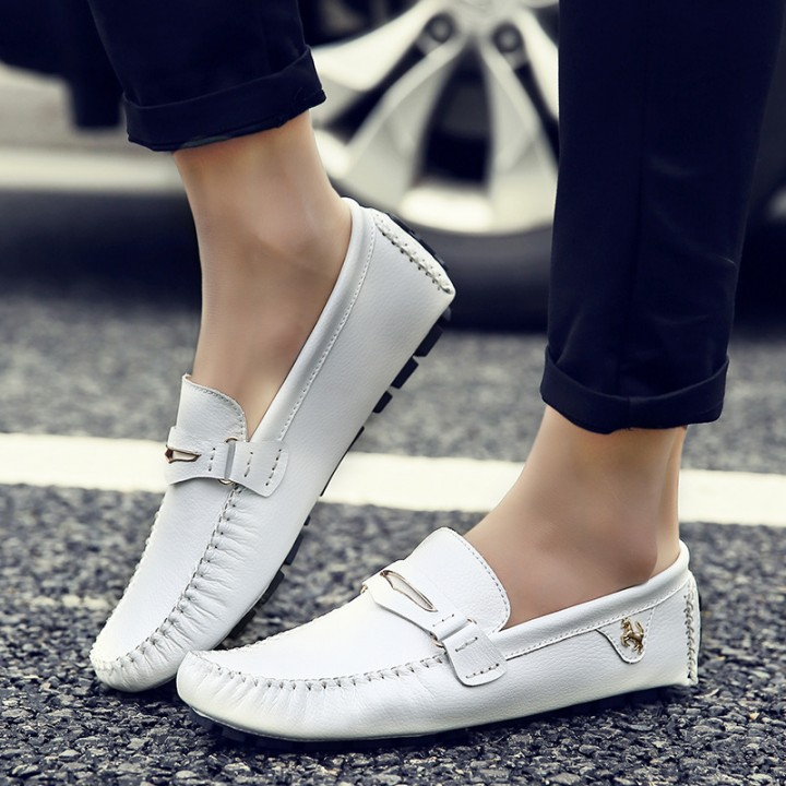 Fashion Summer Style Soft Moccasins Men Loafers High Quality Genuine Leather Driving Shoes white 39