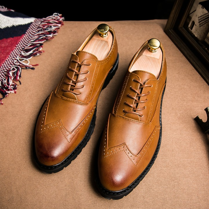 Plus Size Leather Men'S Shoes Business Formal Brogue Pointed Toe Carved Oxfords Wedding Dress Shoes brown 42