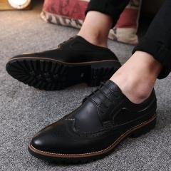 2017 Vintage Leather Men Dress Shoes Business Formal Brogue Pointed Toe Carved Oxfords Wedding Shoes black 43