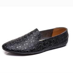Simple Urban Men Driving Shoes Slip On Flower Pattern Soft Leather Lightweight black 39