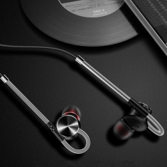 Newest Magnetic type Metal Earphone Sport Music In-ear Headphone for Phone Computer black