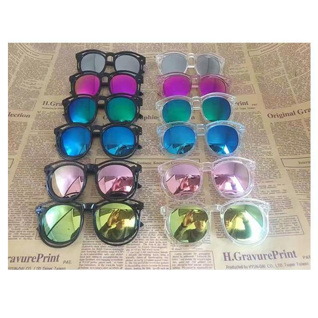 Kid's Resin Sunglasses  3-12 years color send at random Random delivery