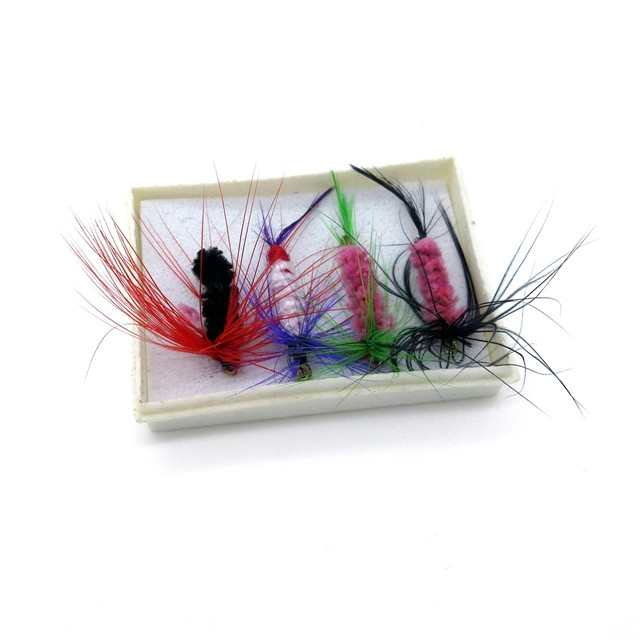Fishing Lure Artificial Fishing Bait Feather Single Treble Hooks Carp Fish Lure Water Surface At Picture