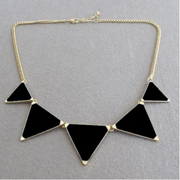 Hot geometrical Triangle Necklace Fashion choker necklace Jewelry for women vintage accessories black 30cm