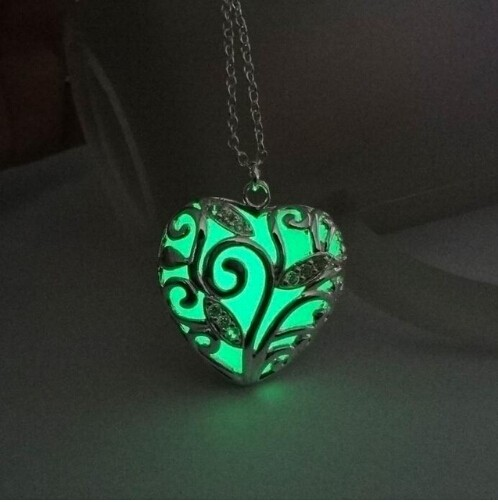 IFeel Turquoise Glow In the Dark Heart Necklace Pendant Christmas Gift for Daugher Mum green 45cm