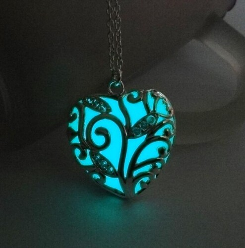 IFeel Turquoise Glow In the Dark Heart Necklace Pendant Christmas Gift for Daugher Mum sky blue 45cm