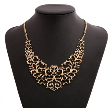 Jewellery Metallic Hollow Carved Necklace Fashion Women Hollow Bib Choker Statement Vintage Pendants gold one size