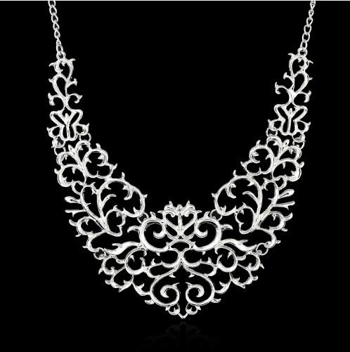Jewellery Metallic Hollow Carved Necklace Fashion Women Hollow Bib Choker Statement Vintage Pendants silver one size