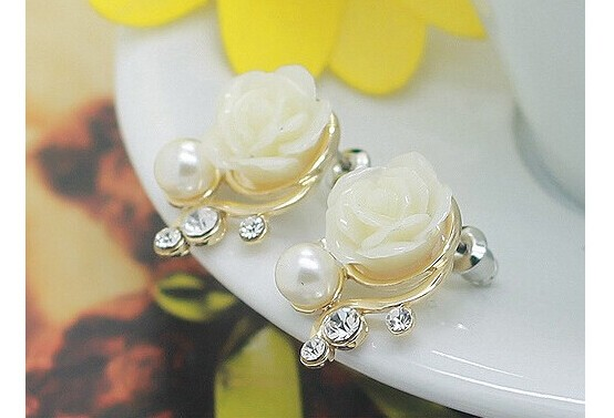 Jewellery Exaggerated Earrings New Style Korean Women Ol Pink Rose Imitation Pearl Crystal Earrings white one size