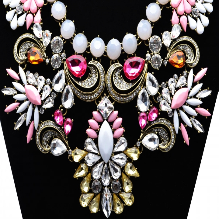 Fashion Pendants Exaggerated Big Crystal Acrylic Big Chain Statement Necklace Pink 26x9cm