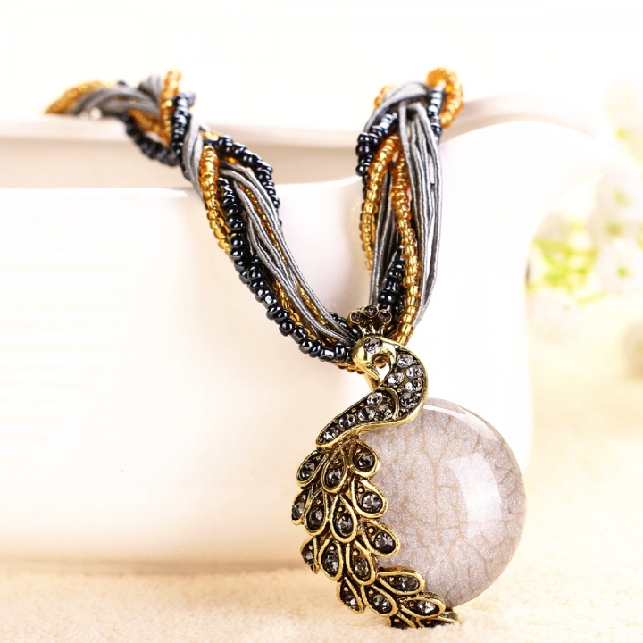 NEW Bohemia Vintage Gem Crystal Bead Chain Handmade Retro Peacock Pendant Necklace Random Color 26x9cm