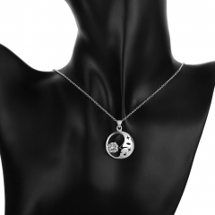 Silver Plated Jewelry Pendant Fine Fashion Cute Inlaid Stone Moon Necklace Pendants silver 2.9x2.1cm