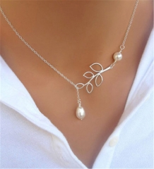 Leaves Simulated Pearl Short Clavicle Chain for Women Popular Plated Chain Necklace as picture 45cm