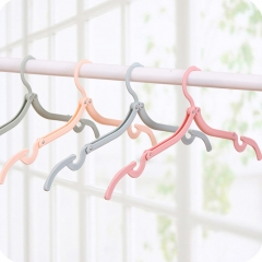 Folding Clothes Hangers Portable Plastic Travel Hanger Drying Rack for Travelling muti-color