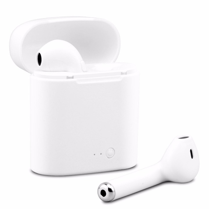 Wireless Earphone with Charing Box white