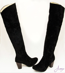 DEEP BLACK KNEE LENGTH BOOTS SIZE 40