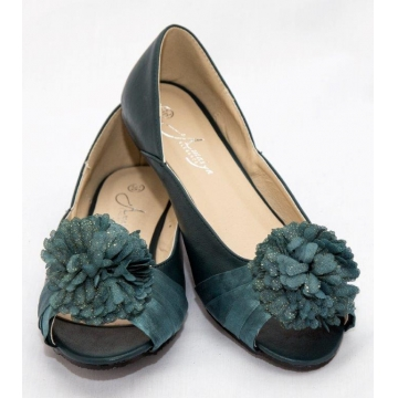 Amaiya Elegance peep toe with a flowery bow green 40