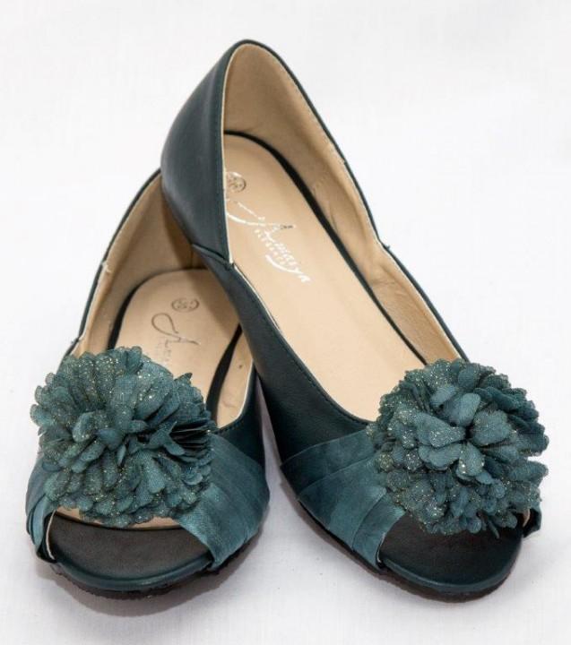 Amaiya Elegance peep toe with a flowery bow green 40