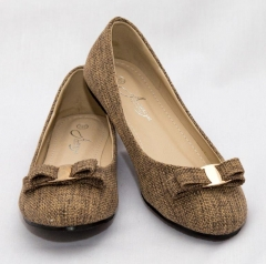 Amaiya Elegance round toe burlap with a gold detailed bow brown 40