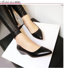 The new trend of women's shoes pointed low-heeled shoes fashion shoes with comfortable shoes wild black 39