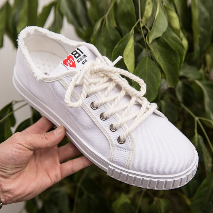 82fe2fe6c Summer Men Canvas Shoes Fashion Retro Artistic Youth Classic Lace-up Casual  Flats Breathable white