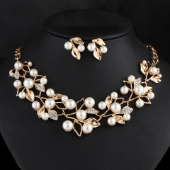 Fashion Elegant Jewelry Set Imitated Pearl Crystal Leaf Necklace Stud Earrings Set as picture one size
