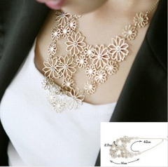Multilayer Pendants Rhinestone  flowers necklace gold one size