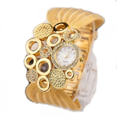 Large oval ring curved mesh belt fashion watch European and American style diamond ladies watch gold