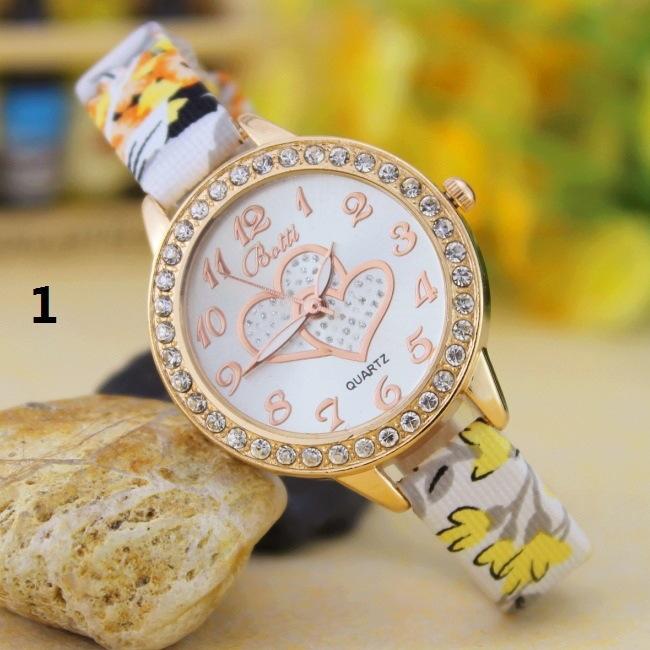 Fashion Student Watch Quartz Female Watch diamond Fashion Double Heart Striped Watch 1
