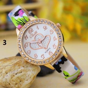 Fashion Student Watch Quartz Female Watch diamond Fashion Double Heart Striped Watch 3