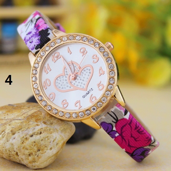 Fashion Student Watch Quartz Female Watch diamond Fashion Double Heart Striped Watch 4