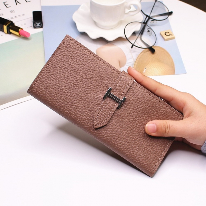 Ms Three Fold Wallet Long Section Coin Purse Fashion Wallet H Buckle Holding Bands Card Pack brown one size