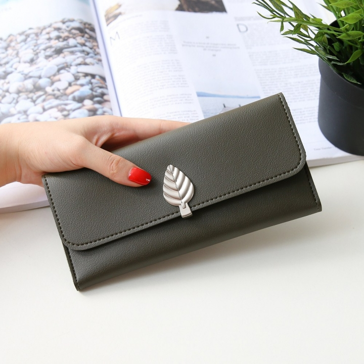 The New Wallet Long Section Simple Leaves Buckle Three Fold Female Wallet High Capacity Hand Bag dark green one size