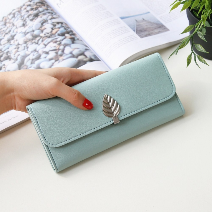 The New Wallet Long Section Simple Leaves Buckle Three Fold Female Wallet High Capacity Hand Bag ligth green one size