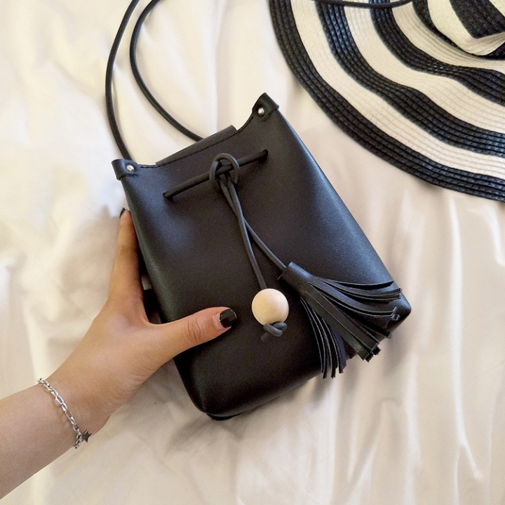 Lady bags Mini Tassel Bucket Bag Small Change Leisure Mobile Phone Bag Messenger Bag black one size