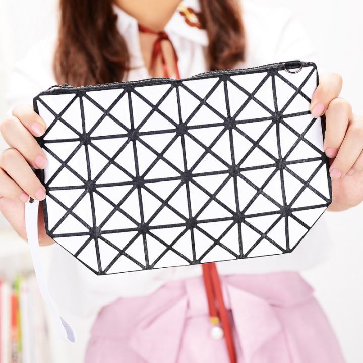 Female Shoulder Bags Lingge Chain Bag Mobile Phone Bag Messenger PU Fashion Leisure Lady Bags white one size