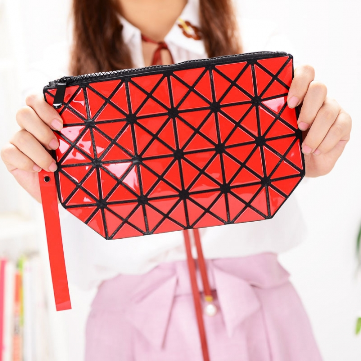 Female Shoulder Bags Lingge Chain Bag Mobile Phone Bag Messenger PU Fashion Leisure Lady Bags red one size