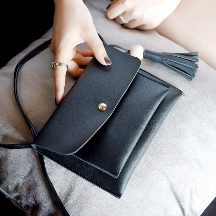 The New Lady Bags Trend Shoulder Bags Tassel Messenger Bag Leisure Mini Packet black one size