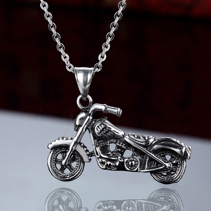 Cool Skull Head Motorcycle Tide Men Pendant Soul Chariot Titanium Steel Necklace silver one size
