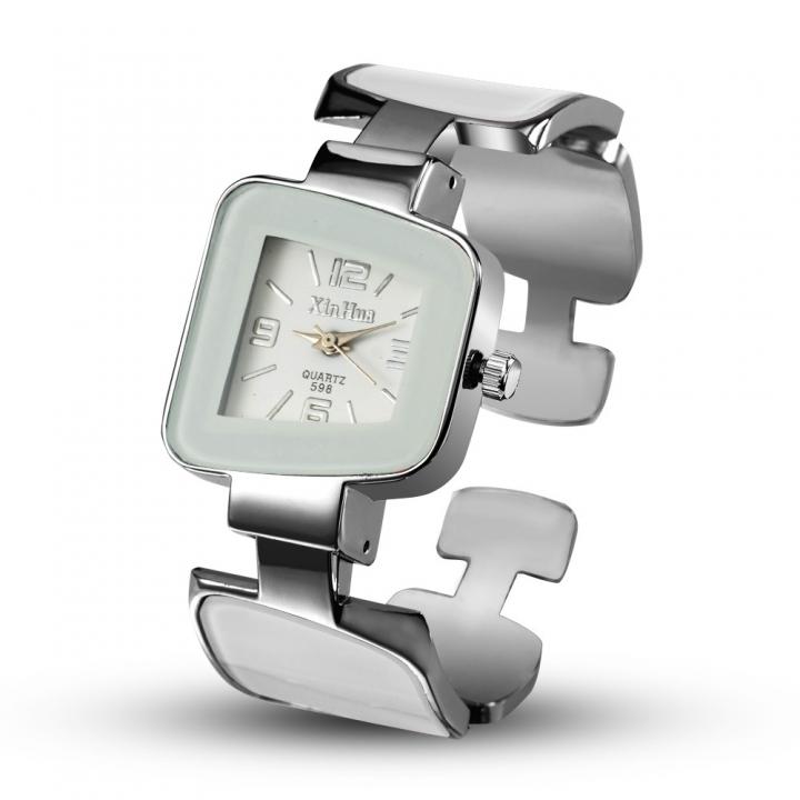 Ms Leisure Creative Diamond Bracelet Watch Upscale Fashion Quartz Watch white