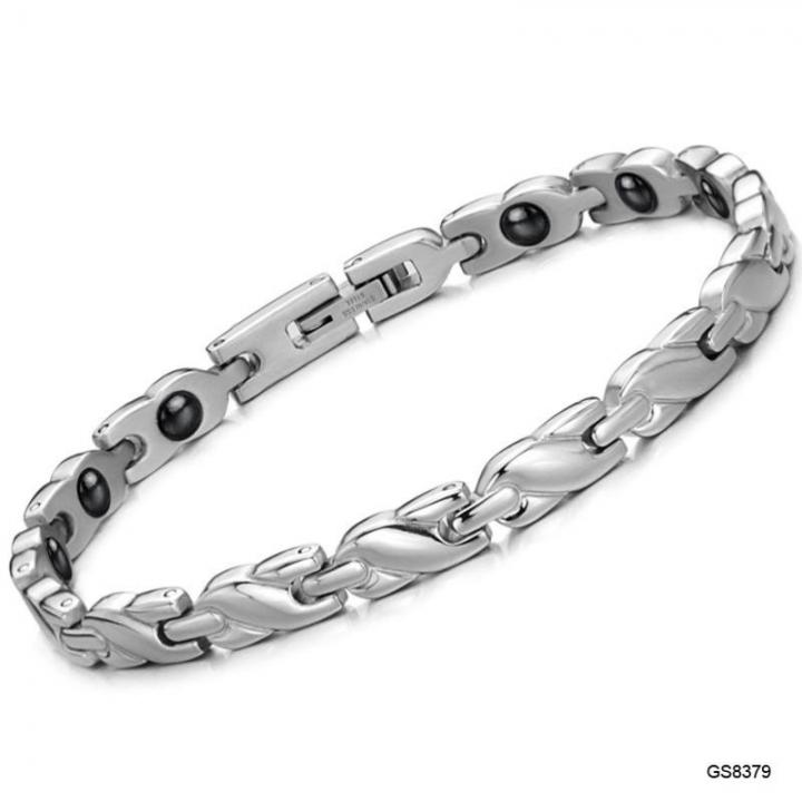 The New Western Style Ms Health Magnet Bracelet Fashion Leisure Titanium Steel Bracelet silver one size