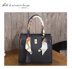 The New Platinum package handbag Lady bags Shoulder Messenger bag Western style fashion Wild Ms. bag black one size